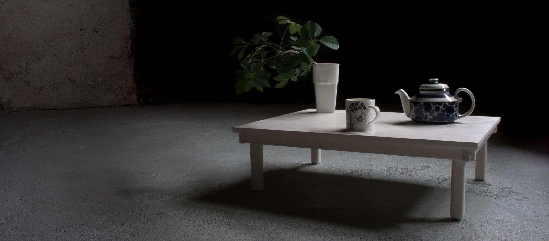 Teepöytä ©Tuija Pispa