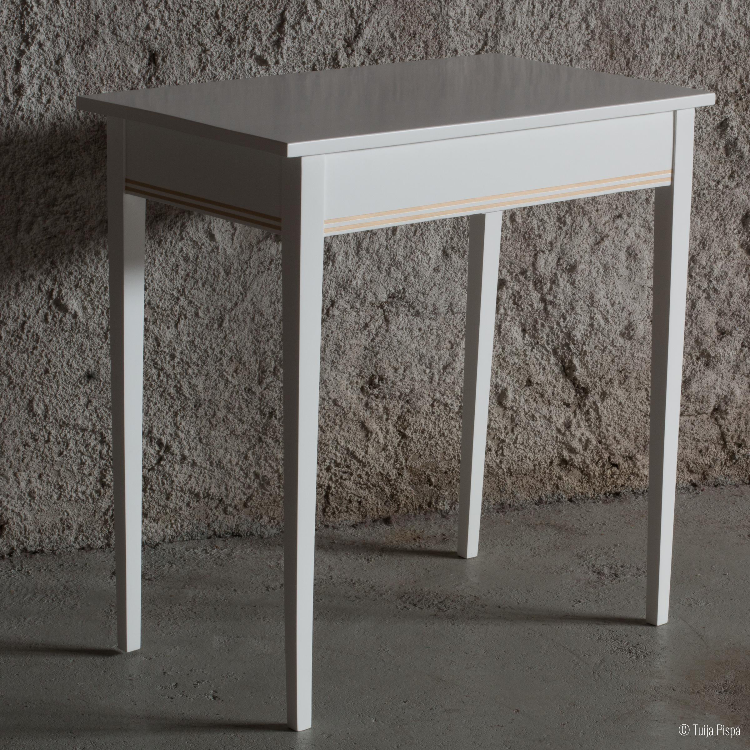 Kampauspöytä takaa ©Tuija Pispa